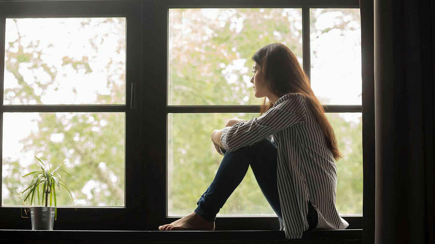 How to Combat Loneliness and Stay on Top of Deadlines During Isolation
